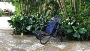 zwarte stoel elmy interiors